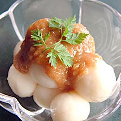 白玉団子の胡麻酢和え